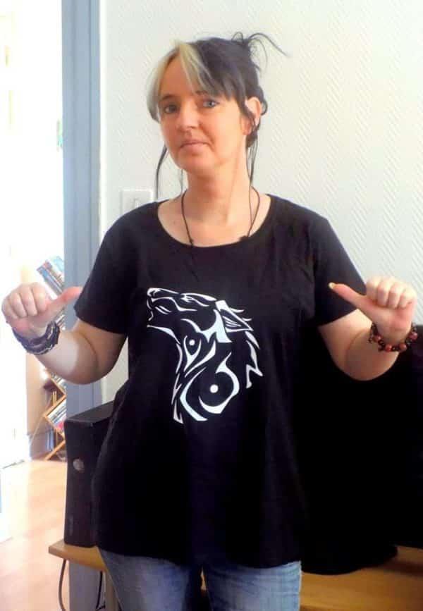 T-shirt noir Femme Louve tribale 2